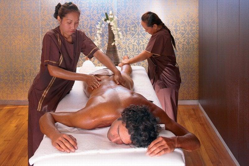 Le massage érotique à 4 mains